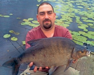 NEW RECORD BREAM: 6.07 kg Ballywillan Lough Fisheries, Co. Down, 24th June, 2012 – Bryan Robinson